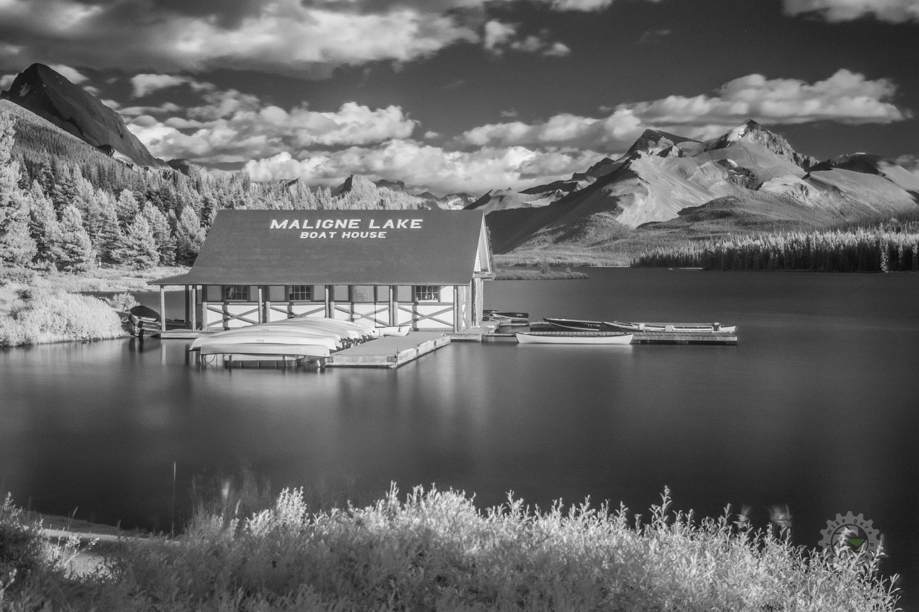 mike,gere,photo,photograhy,jasper,alberta,national,park,landscape,maligne,lake,boat,house,boathouse